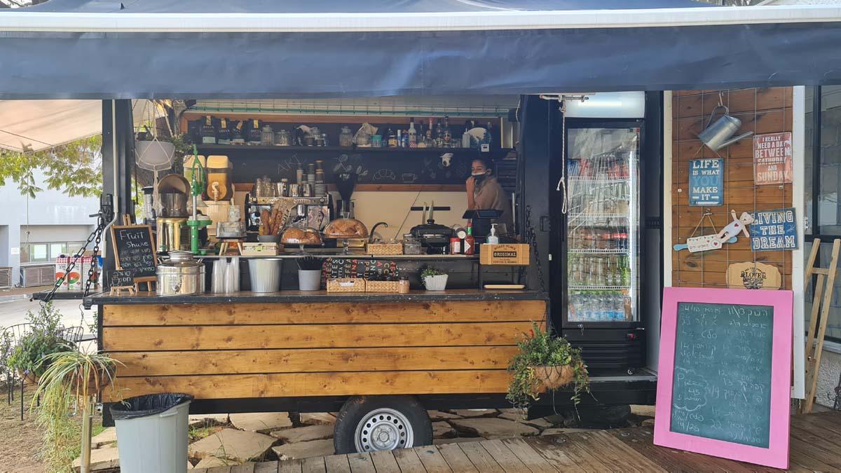 Maya's coffee truck at ARThura Ruppin | DesignLife | Ifat Angel